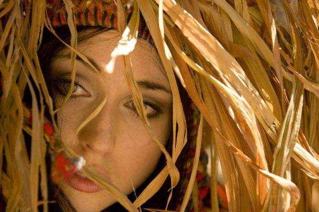 Photo- Peter Adams. Model- Ela Markstein